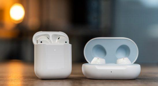 Apple Air Pods 2 vs Samsung Galaxy Buds